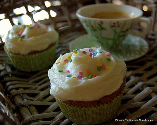 1-funfetti cupcakes 007