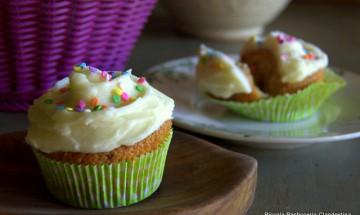 1-funfetti cupcakes 038